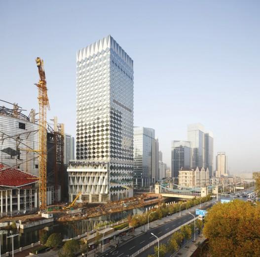 Новый многогранный фасад украсил недавно построенный отель в Китае