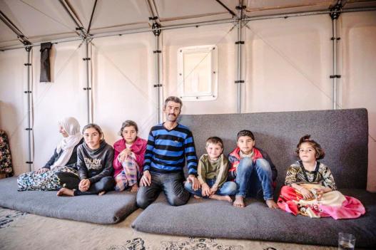 Компания IKEA представила модульное временное жилье на солнечных батареях для беженцев