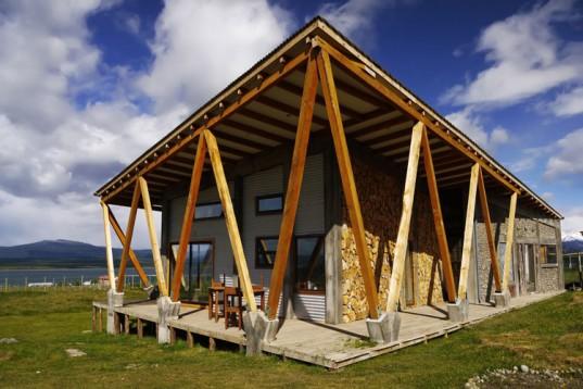 OutsideIN: пассивные солнечные элементы и ветер для обогрева и охлаждения дома