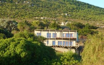 Рэпер Тони Бадден построил дом из конопли