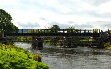 Первый в Европе пешеходный мост сделан из переработанного пластика