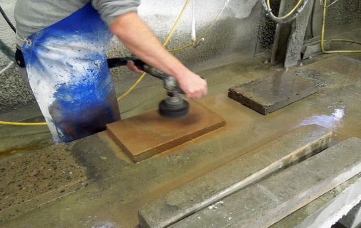 Голландский дизайнер предложил новую технологию изготовления напольного покрытия из переработанных материалов