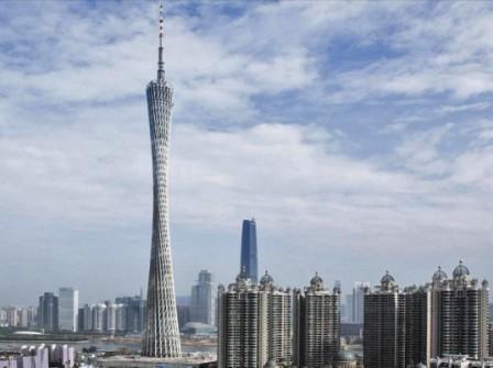 Элегантная башня Canton Tower в Гуанчжоу является самым высоким зданием в Китае