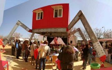 Гигантский дом-паук и другие конструкции на Барселонском фестивале Bottom Up