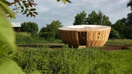 Круглый дом построен с использованием початков кукурузы всего за 7 тысяч евро