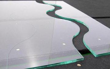Новая лазерная технология позволит вырезать защитное стекло любой формы