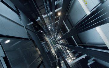 Kone представила новый материал для строительства лифтов километровой высоты