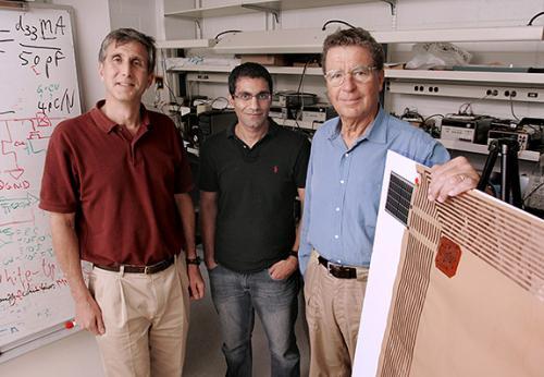 Ученые Принстона разработали пластиковые панели, которые могут и слышать, и  даже говорить