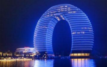 Экстравагантный кольцеобразный отель Sheraton Huzhou открылся в Китае
