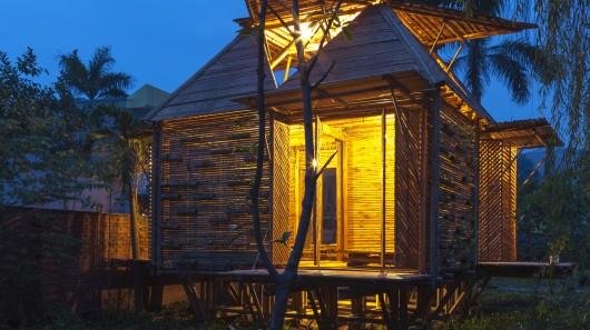 Новый недорогой дом из бамбука может противостоять наводнениям
