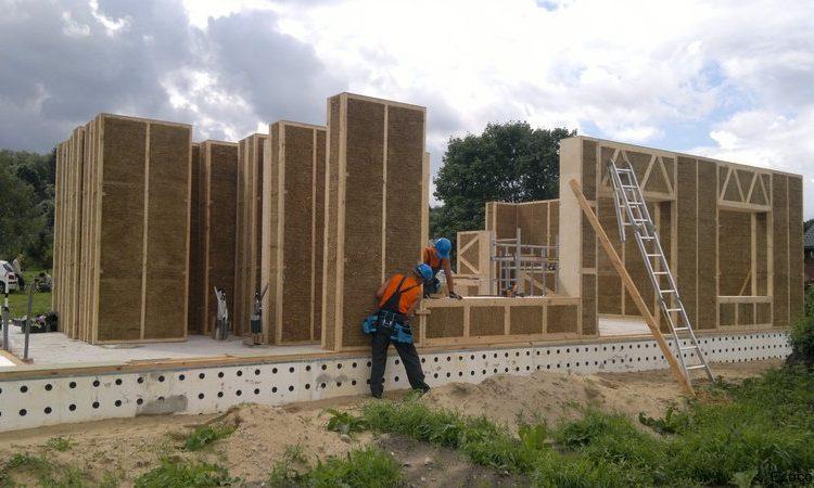 Компания Eco Cocon представляет структурно-изолированные панели из соломы и дерева