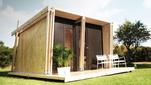 Испанские архитекторы представили новый недорогой сборный домик, который можно смонтировать за 1 день