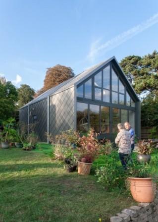В Великобритании строится дом-амфибия, которому не страшны наводнения