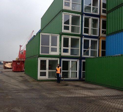 В Брайтоне построили безопасное и доступное жилье из грузовых контейнеров