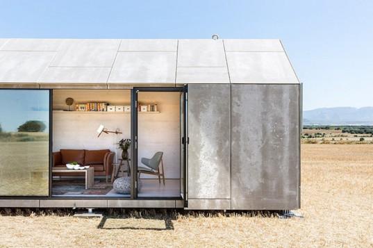ÁBATON представляет сборный микро-дом в минималистском стиле
