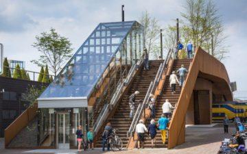 В Нидерландах открылся мост, который генерирует солнечную энергию для окрестных домов