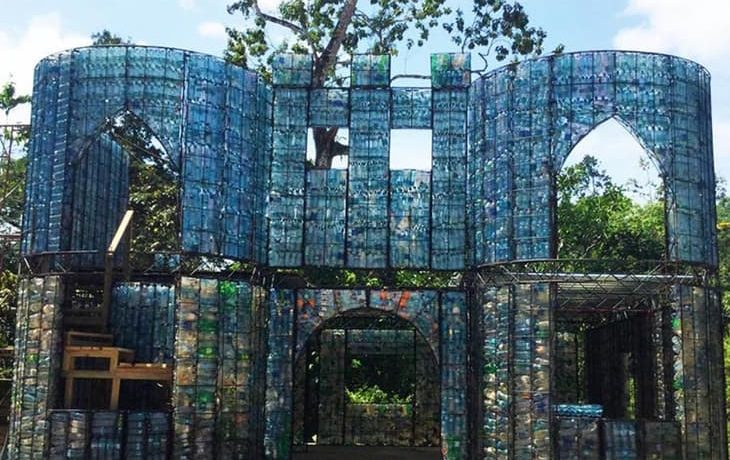 В Панаме строится эко-деревня с домами из пластиковых бутылок