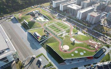 Конференц-центр в Ханчжоу с зеленым парком на крыше