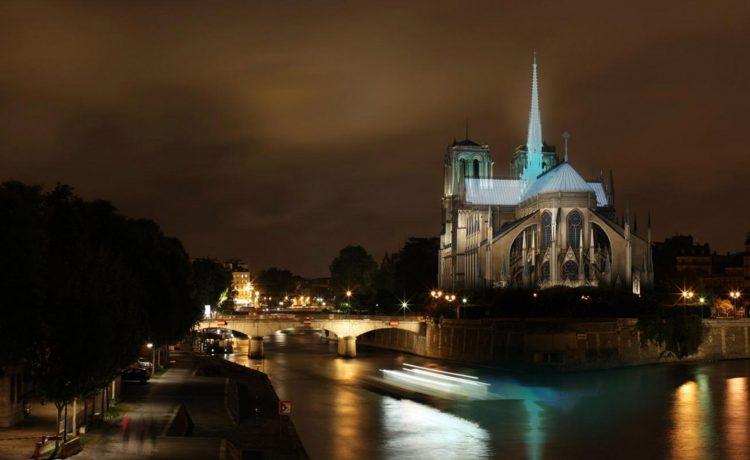 Новый шпиль парижского собора Нотр-Дам: семь альтернативных предложений