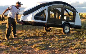 Этот трейлер из легкого композита может буксировать даже самый маломощный автомобиль
