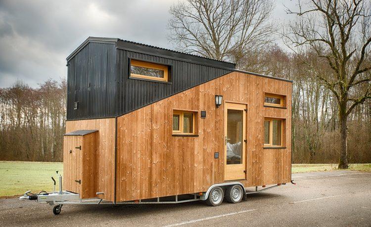 Мини-дом на 6 человек с большой спальней и раздвижной крышей
