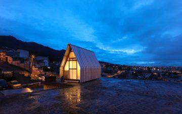 Крошечный «Дом-Паразит» может быть установлен на крыше здания