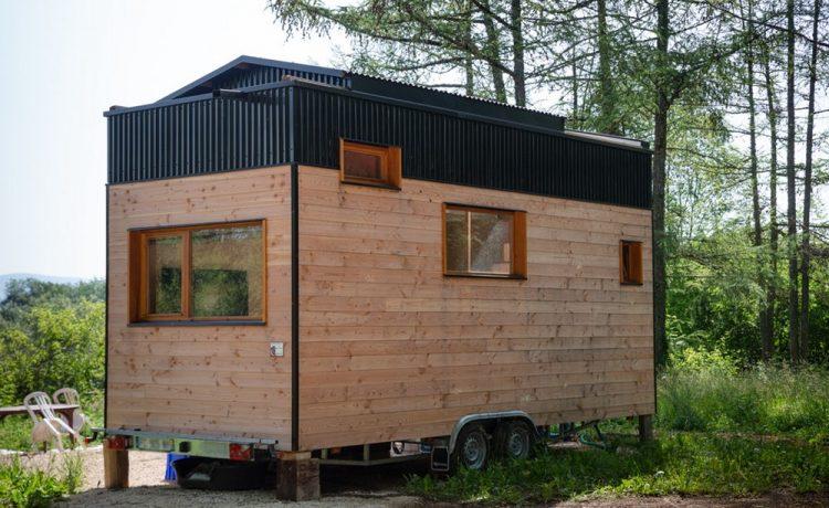 Мини-дом с раздвижной крышей и теплым полом