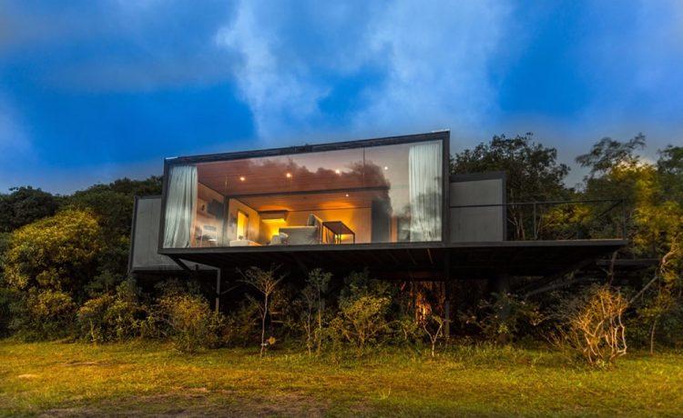 Транспортный контейнер превратился в шикарный дом отдыха в Бразилии