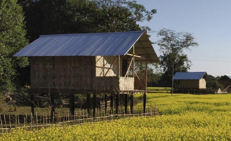 Бамбуковые дома на сваях смогут защитить жителей Индии от наводнений