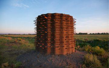 Дизайн-студия представила удивительные 3D-печатные прототипы жилья из глины