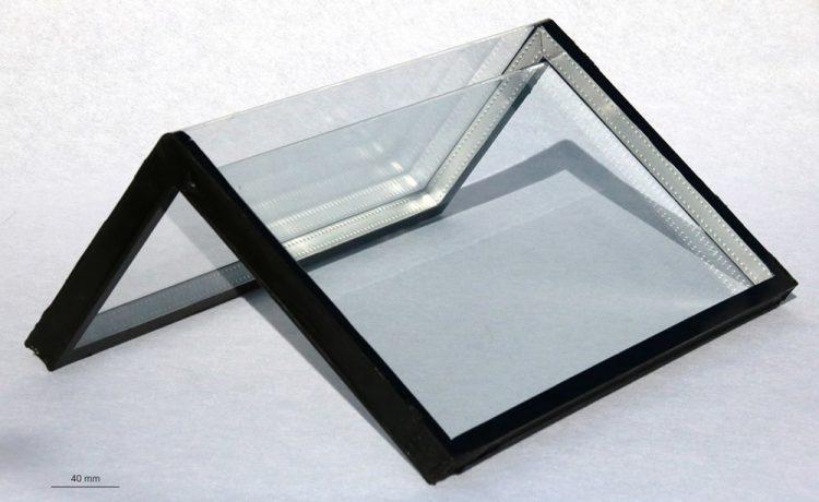 Ученые разработали технологию сгибания стекла под прямым углом