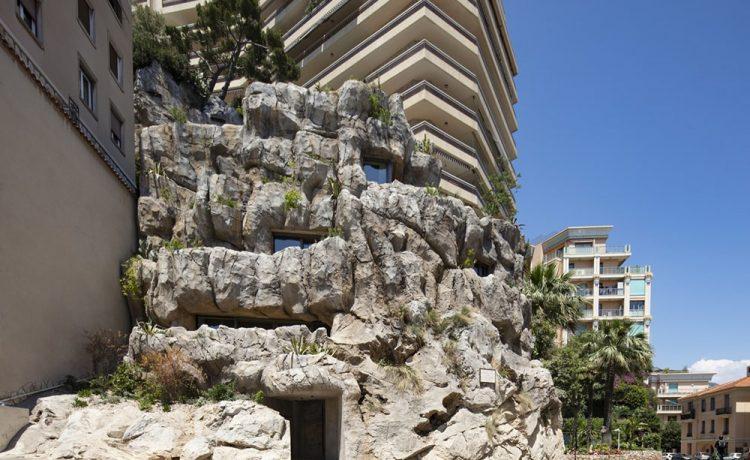 Энергоэффективный роскошный дом, построенный из скалы и бетона