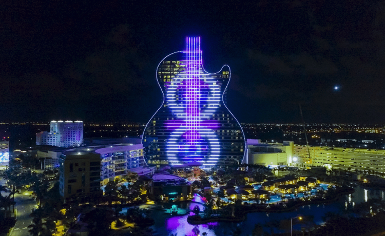Hard Rock открывает отель с фасадом в виде гитары во Флориде
