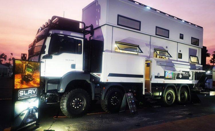 Двухэтажный внедорожный дом на колесах Commander 8x8 готов к исследованию земного шара