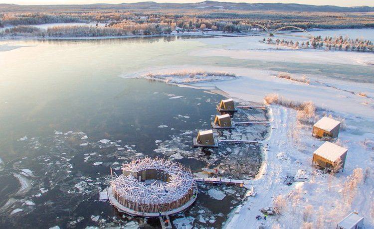 Плавающий отель в форме гнезда открылся для посетителей в Швеции