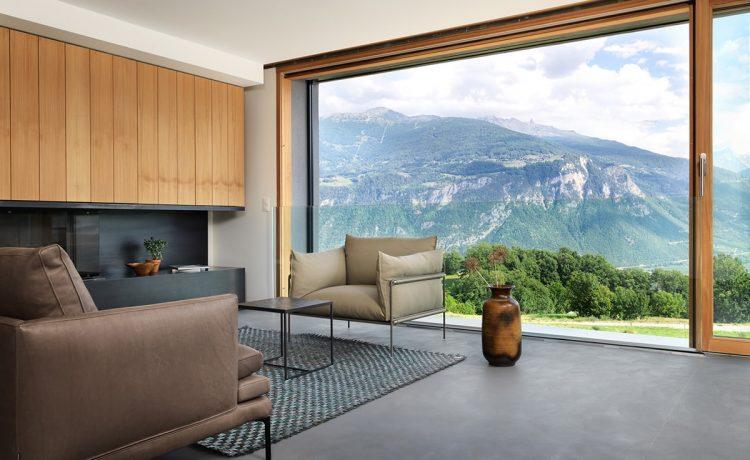 Этот минималистский дом на солнечной энергии способен выдерживать землетрясения