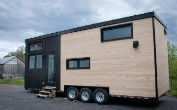 Совсем не крошечный дом на колесах предназначен для суровых канадских зим