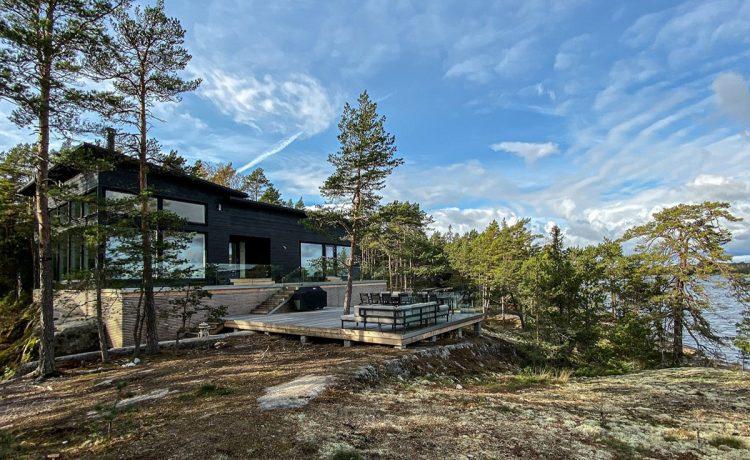 Этот потрясающий бревенчатый дом использует геотермальную энергию для обогрева