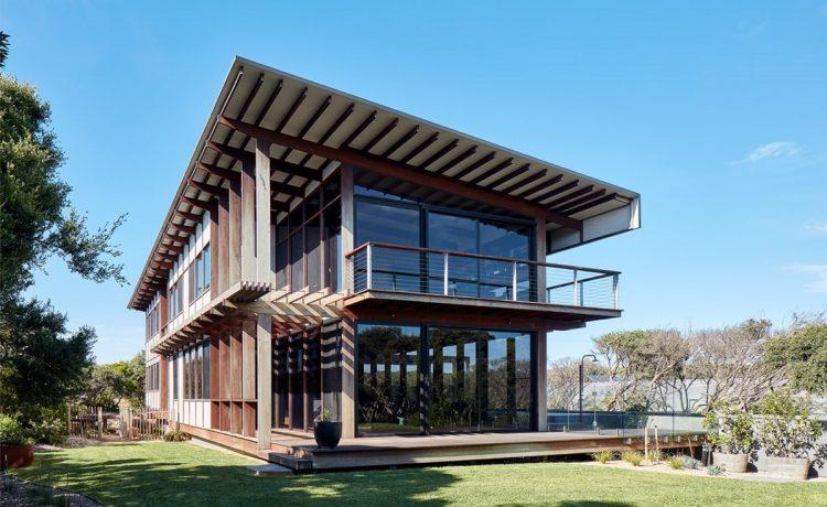 Семейный дом на солнечной энергии с панорамными видами во всех направлениях