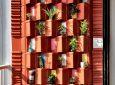 Индийские дизайнеры создали стену из глиняной черепицы для естественного охлаждения