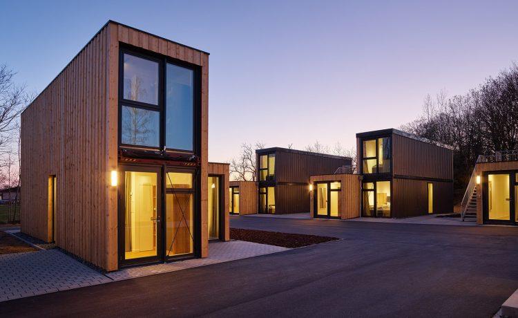 Эти сборные микро-апартаменты сделаны из транспортных контейнеров