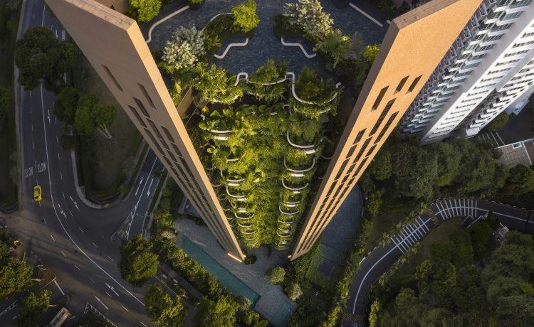 Жилой небоскреб от Heatherwick Studio в Сингапуре наполнен зеленью