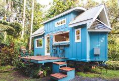 Брат с сестрой построили тропический крошечный дом на Гавайях
