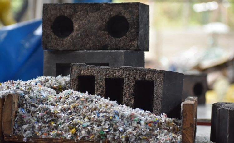 SPB: новые строительные блоки из кварцевого пластика