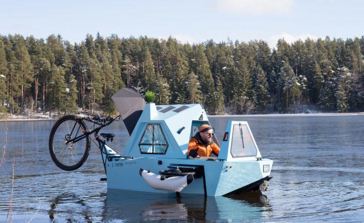 Необычный микро-кемпер ездит по суше и плавает по воде