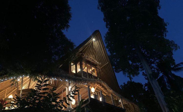 Villa CasaBlanca: роскошный глинобитный дом из местного сырья