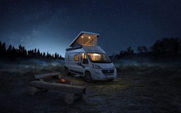 Knaus представил семиместный автофургон с панорамной крышей-палаткой