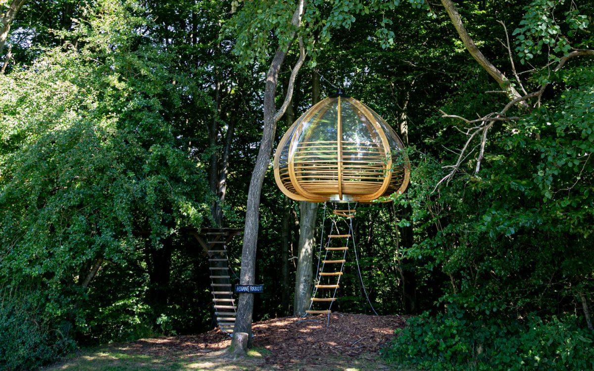 Hængende Ly: подвесной деревянный домик для комфортного и безопасного сна на природе