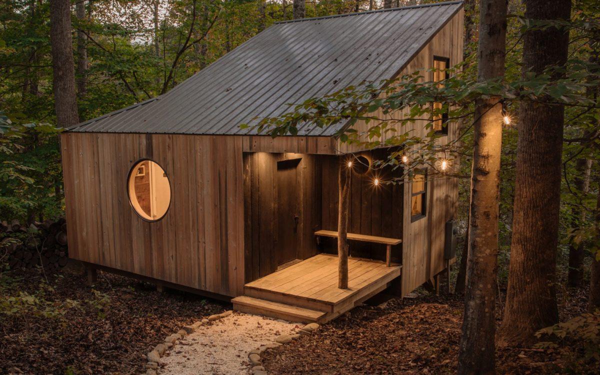 Профессиональный фотограф самостоятельно построил деревянный домик своей мечты