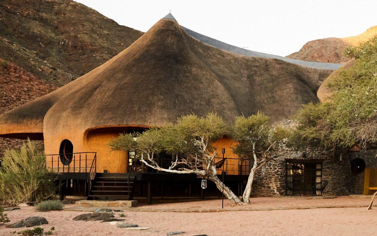 Гостевой дом Nest at Sossus в Намибии похож на птичье гнездо